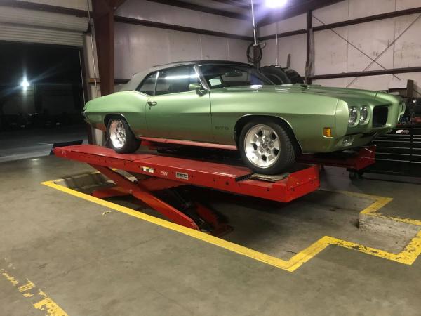 Custom Wheels and Tires